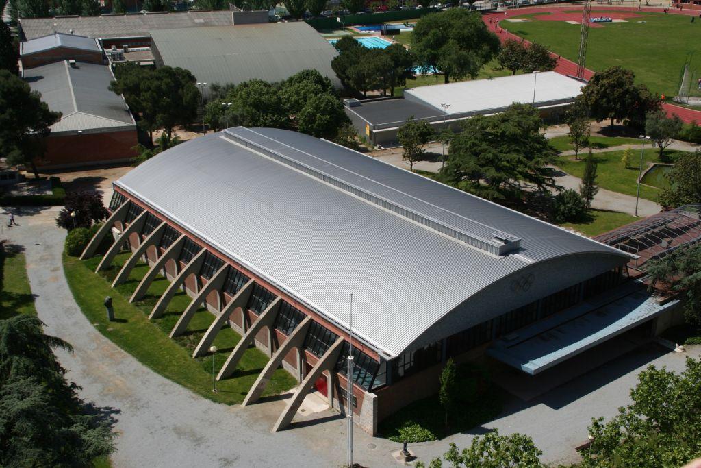 Pavell municipal d 39 esports el parquet ajuntament de for Piscinas de granollers