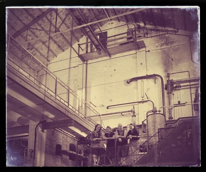 """Imatge de promoció del projecte """"Els tres silencis"""""""
