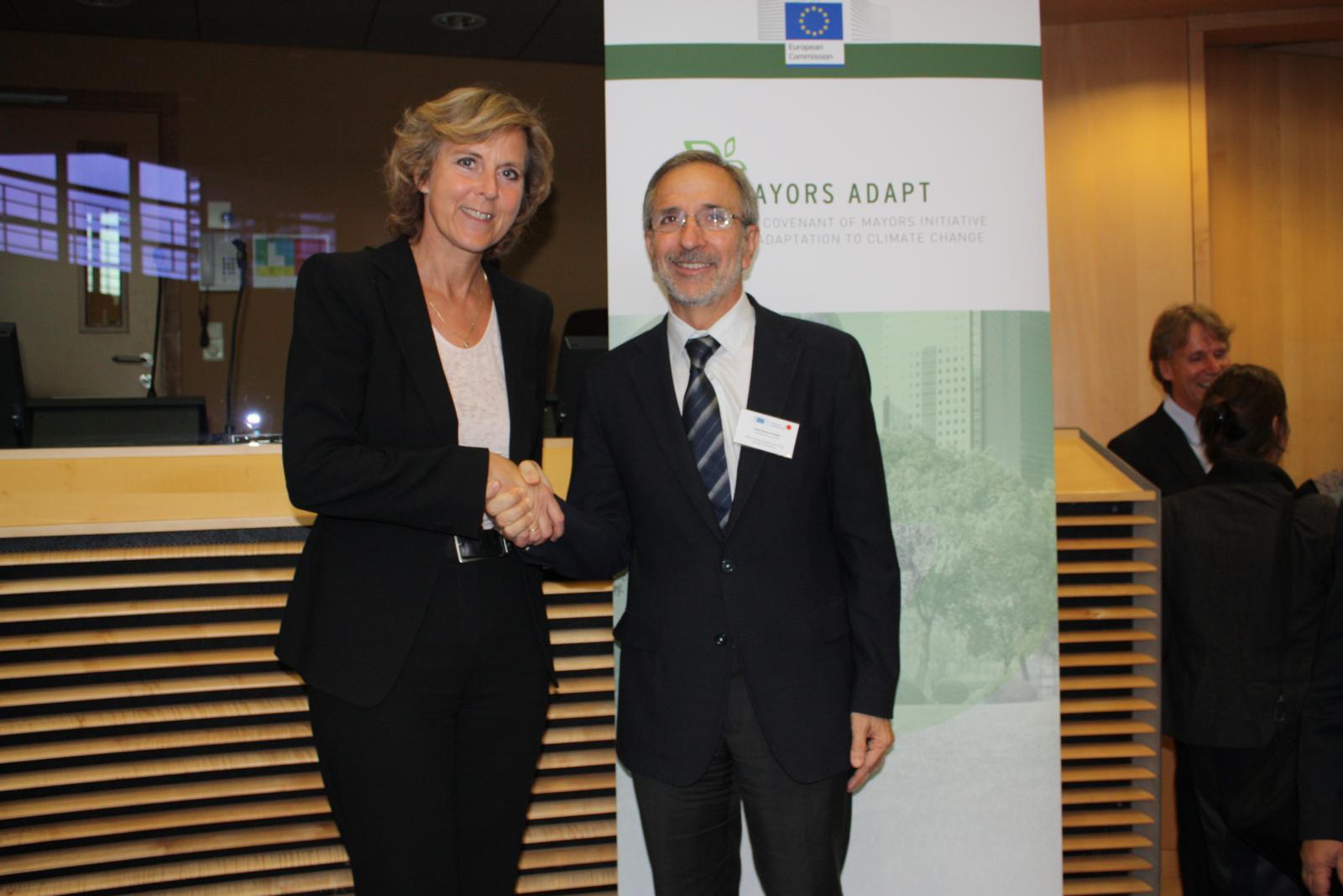 L'alcalde Josep Mayoral amb la comissària europea d'Acció Climàtica, Connie Hedegaard
