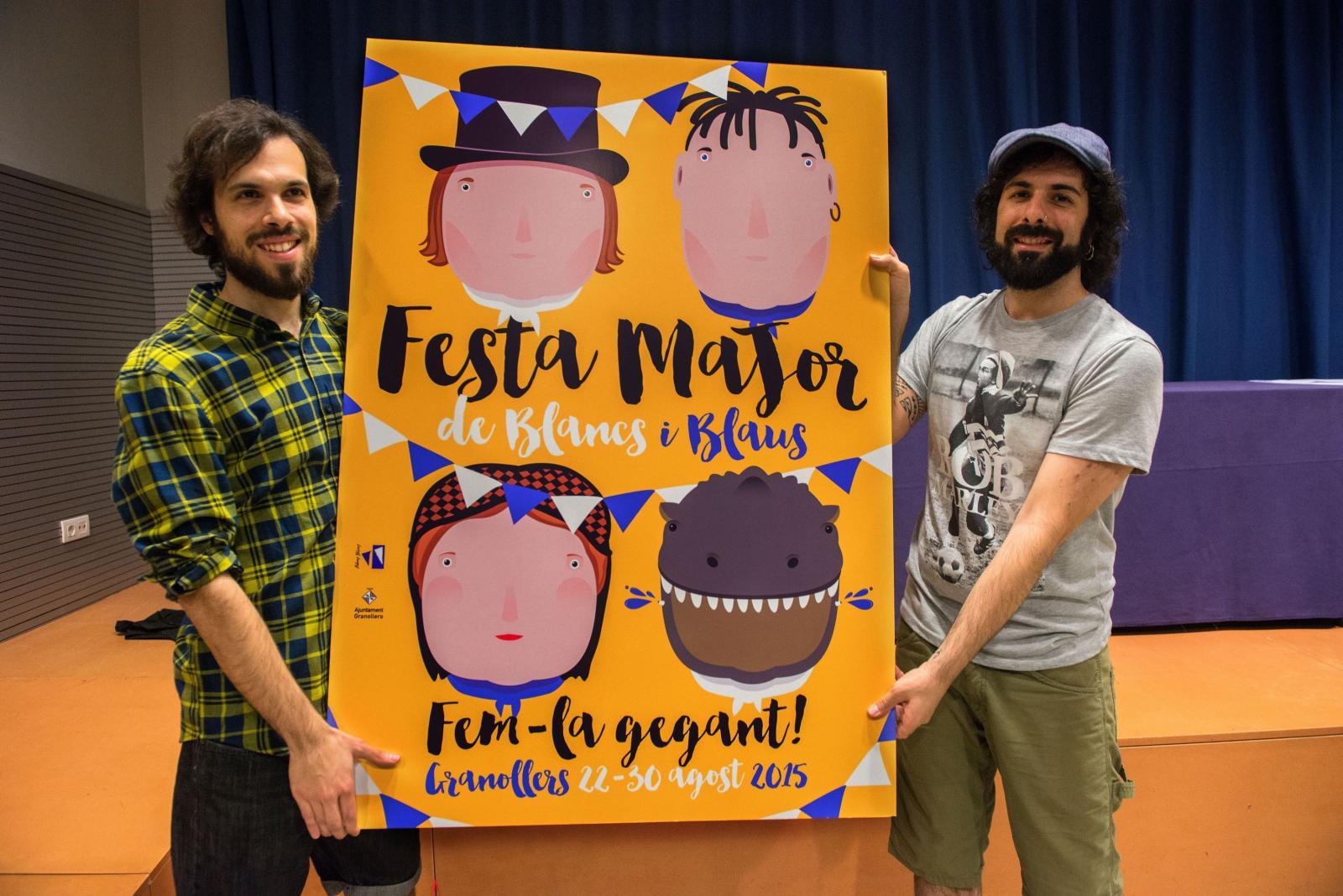 Jordi i Ramon Daví mostren la seva obra. Fotografia: Toni Torrillas.
