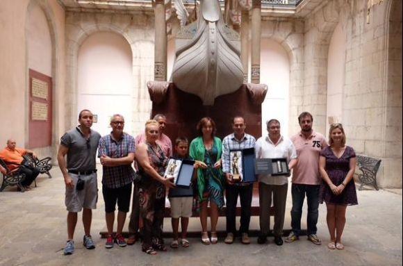 Participants a l'acte de lliurament dels premis, celebrat diumenge a Tarragona, amb els representants municipals, del jurat i de les pirotècnies.