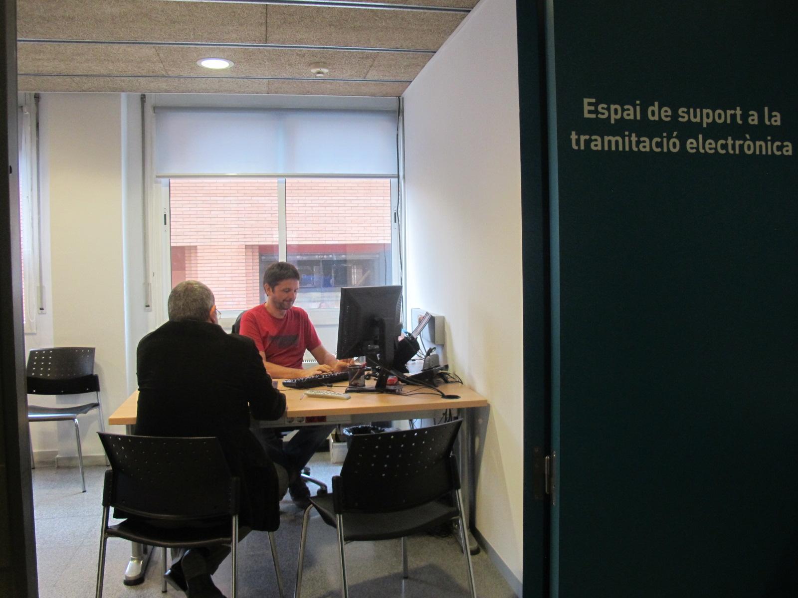 Empreses i professionals obligats a relacionar se nom s for Oficina atencio al ciutada